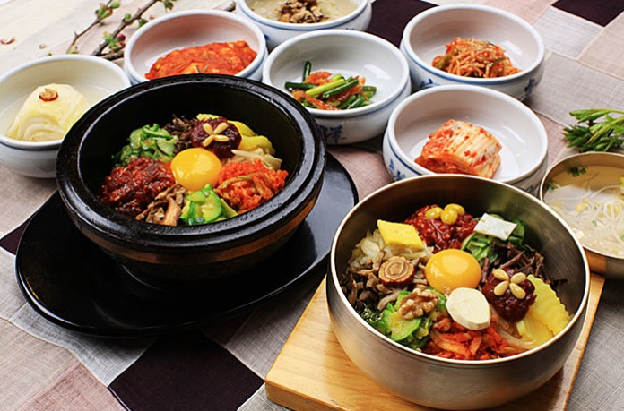 Globally Popular Korean Food, Bibimbap!!